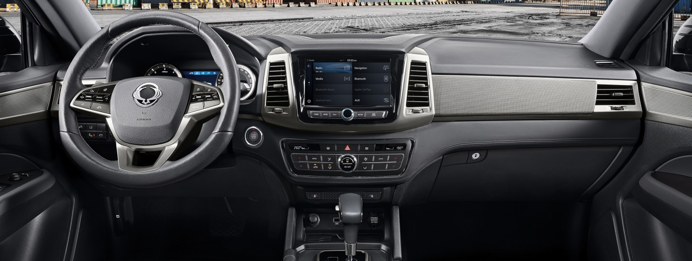 SsangYong Grand Musso luxueus dashboard